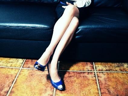 つま先が細い靴